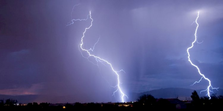 What are the lightning protection standards for lightning down conductor installation?